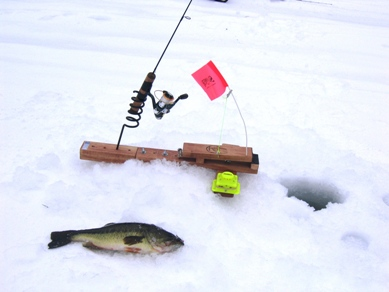 Black lake tip ups all in for Ice fishing line