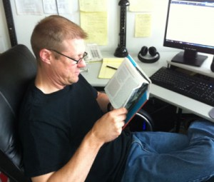 Even digital developer Bill Haenel reads!