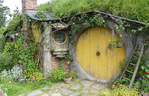 The Hobbit House From Standout Cabin Designs. Hello Frodo.