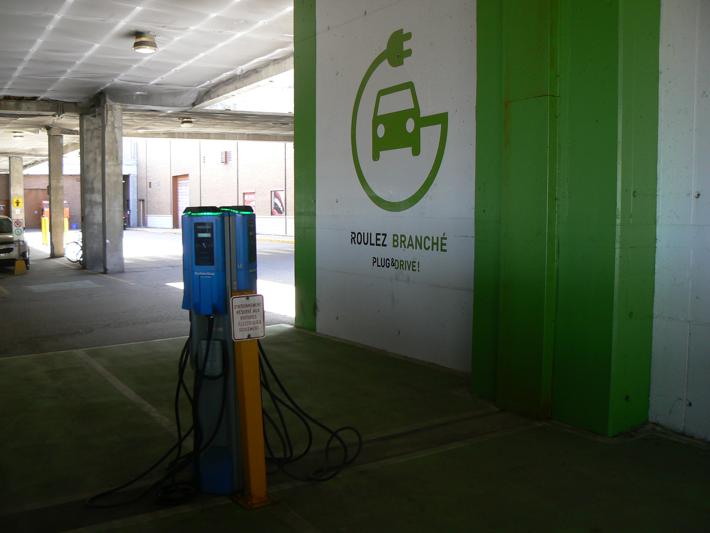 Not The Netherlands Electric Vehicle Charging Stations In Quebec