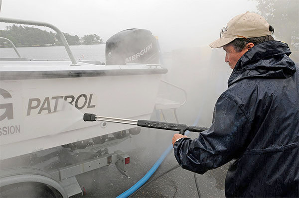 Boat washing station at Lake George boat launch. Photo: NYS DEC, Creative Commons, some rights reserved