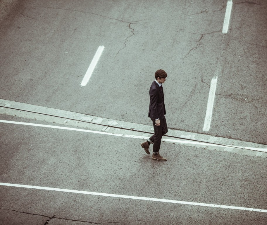 In humans, loneliness may be a greater health risk than smoking and obesity. Photo: public domain