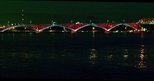 The Peace Bridge by night. Photo: thetorpedodog, Creative Commons, some rights reserved