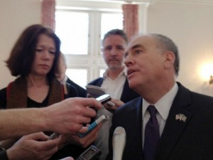 New York State Comptroller Tom DiNapoli, speaking with reporters in April, 2013, after an address at SUNY's Rockefeller Institute on the financial plight of local governments. Photo: Karen DeWitt