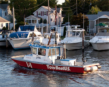 Are U.S. towboats illegally taking Canadian work? Photo: Eric, Creative Commons, some rights reserved