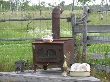 Wood stove efficiency varies widely! photo: Vintage wood stove by Kim  Newberg - New Hampshire Company Wins Wood Stove Contest « The In Box
