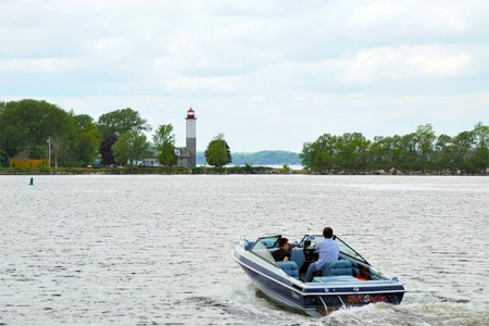 Boaters on the St. Lawrence River. Ogdensburg is looking to revitalize its waterfront as part of its redevelopment plan. Photo:Xaiozhuli, Creative Commons, some rights reserved