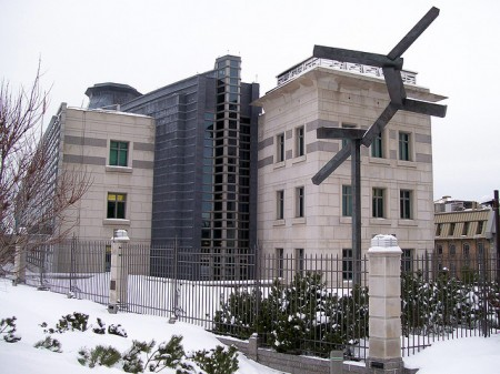 The US Embassy in Ottawa. Photo: Xiaozhuli, Creative Commons, some rights reserved
