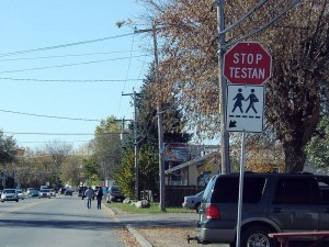 Bilingual Stop sign in Kahnawake. Image by Peter Van den Bossche, Creative Commons, some rights reserved.